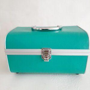Nice Aqua Makeup Travel Case